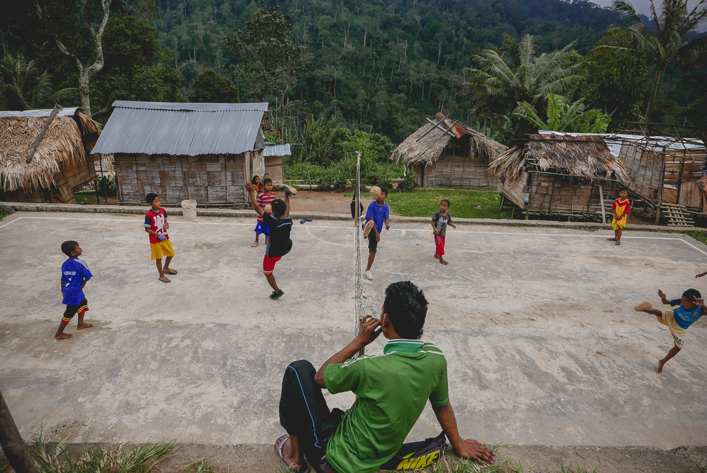 Football game in an Orang Asli village, Cameron Highlands (photo by Irina Stelea)