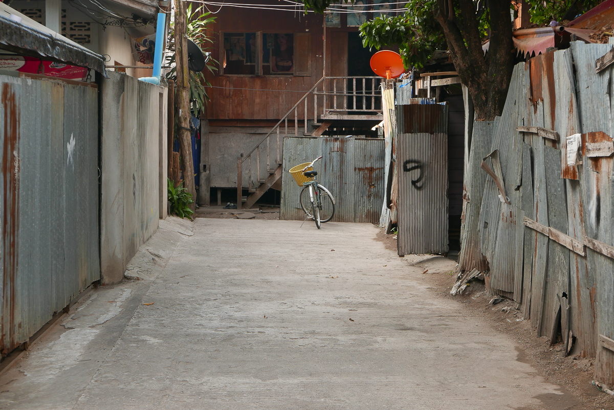 Back streets of Mae Sot, Thailand (photo by Irina Stelea)