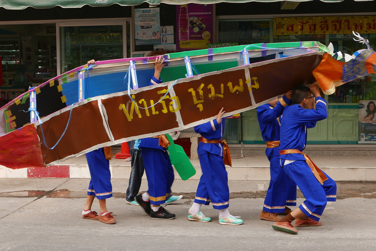 School parade, Mae Sot, Thailand (photo by Irina Stelea)
