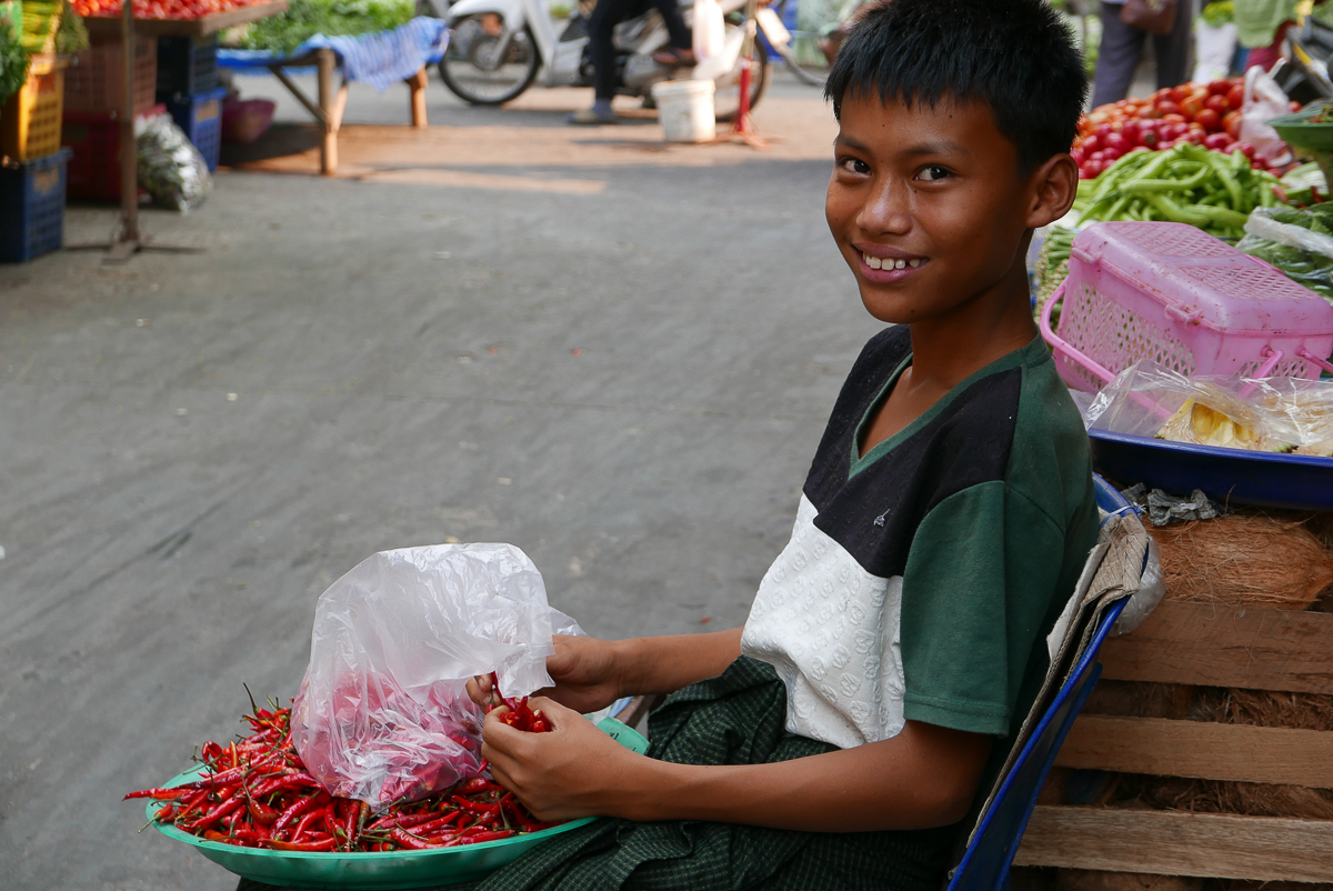 Boy at the day market, Mae Sot, Thailand (photo by Irina Stelea)
