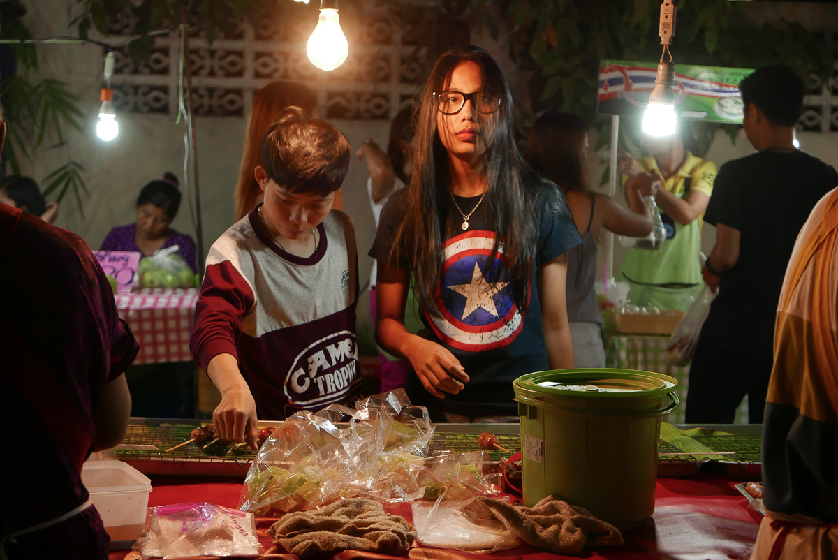 Saturday night market, Mae Sot, Thailand (photo by Irina Stelea)